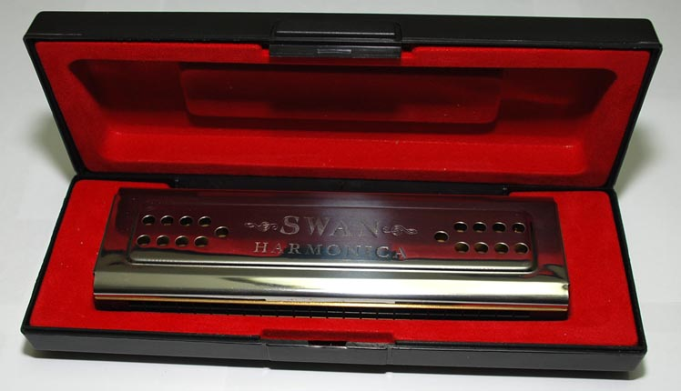 Swan 24-hole double sided Harmonica with plastic gift box - Click Image to Close